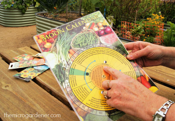 the weekly times garden almanac an inspiring and practical guide