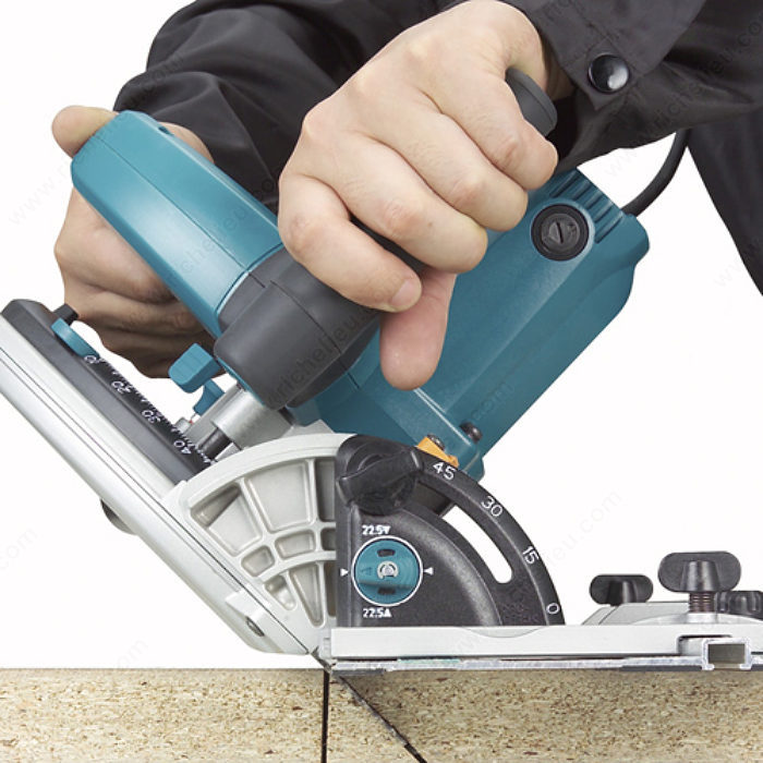plunge cut circular saw with guide rail