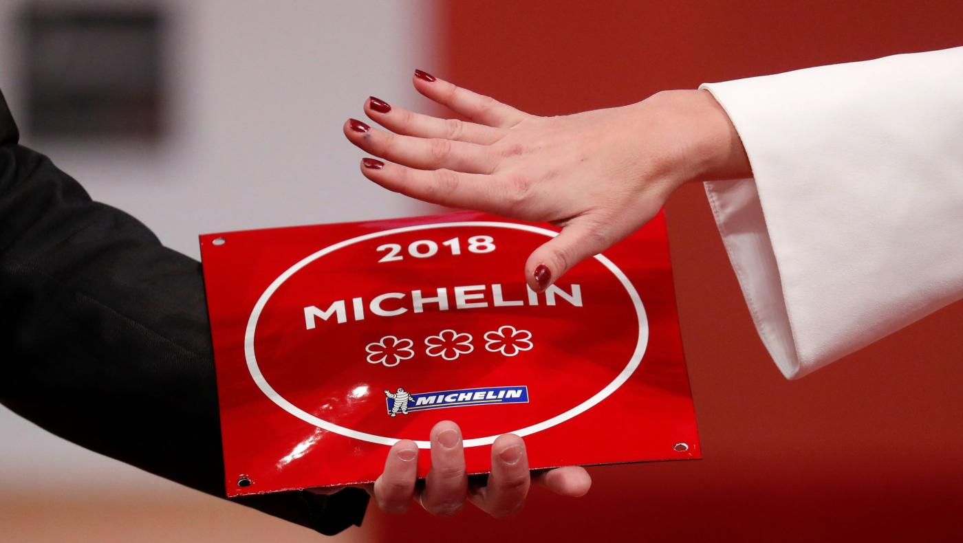 how to get in the michelin guide
